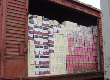 Įvairių krovinių gabenimas geležinkeliais dengtuose vagonuose
